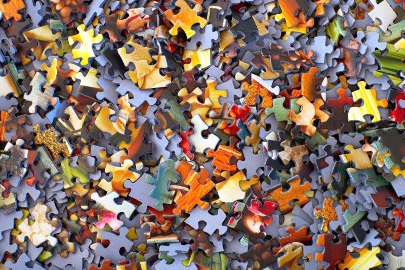 bunte puzzleteile